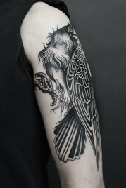 27.19 raven tattoo David Tejero