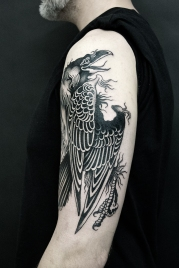 28.19 raven tattoo David Tejero